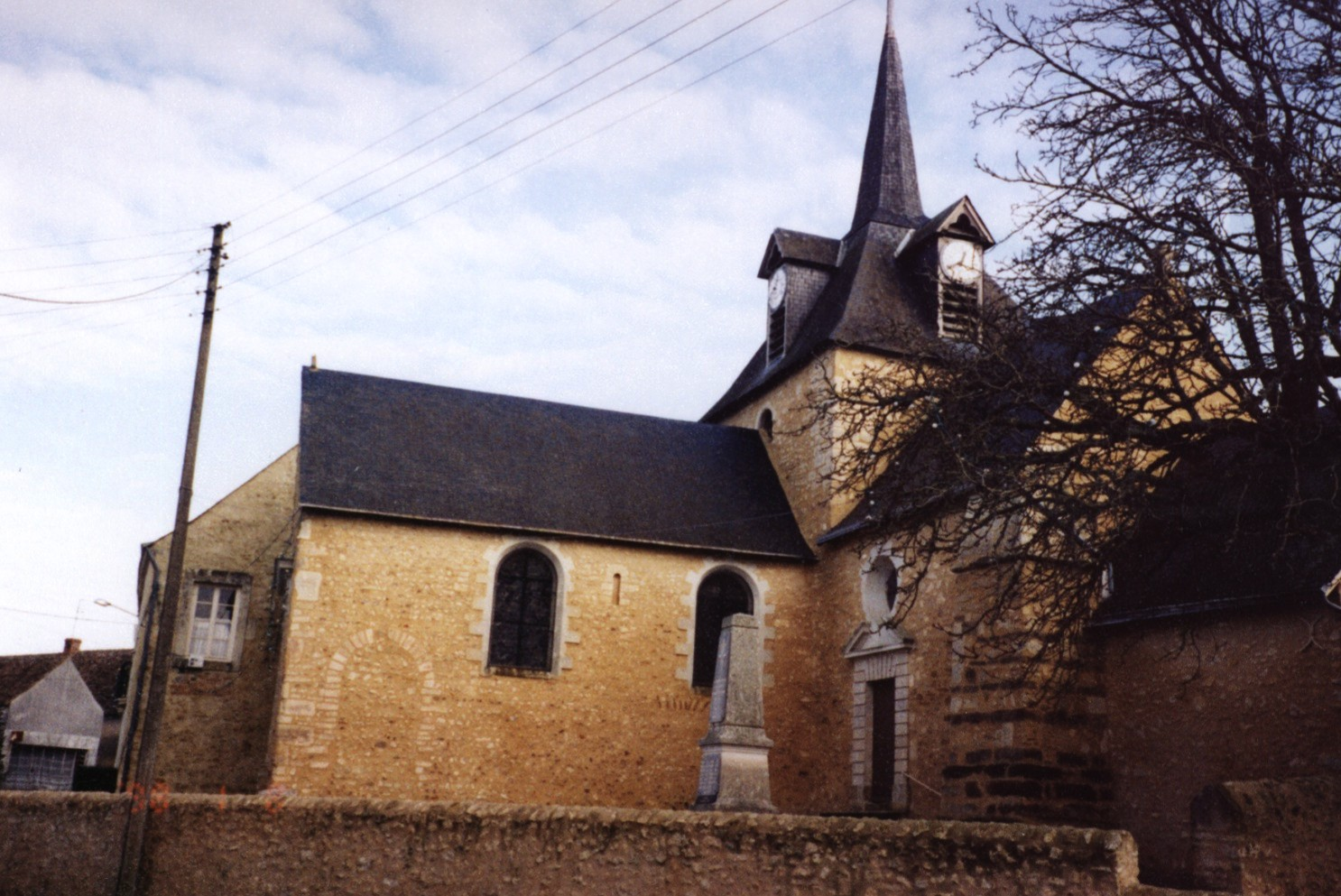 tasse church.jpg (347735 bytes)